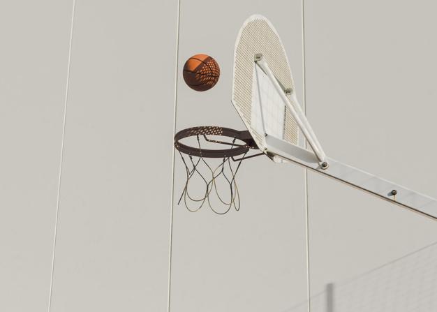 10/14 ans : jeunes plsu de 14 ans : grande fresque sur papier /basket