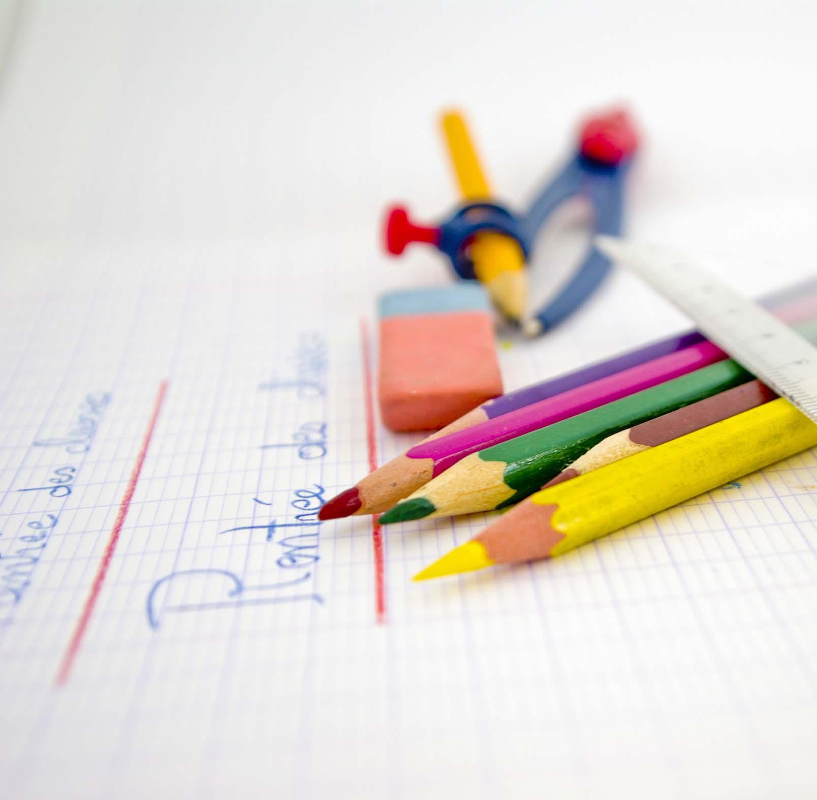 Feutres et crayons de couleurs