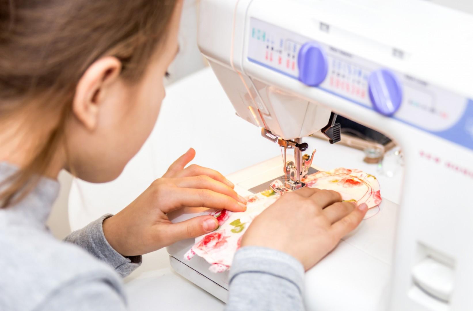 9h30-12h Atelier couture au Centre social, 5 pl. du 8 mai